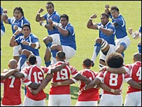 Tonga watch Samoa perform their pre-match challenge