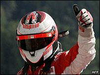 Kimi Raikkonen celebra su victoria en el GP de B�lgica.