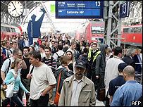 Entre la multitud