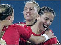 England celebrate Jill Scott's goal