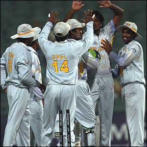 Sri Lanka celebrate Fernando's first wicket