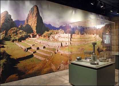 Artefacts displayed in front of a photograph of Machu Picchu from Yale Peabody Museum's Machu Picchu exhibit (Michael Marsland/Yale University)