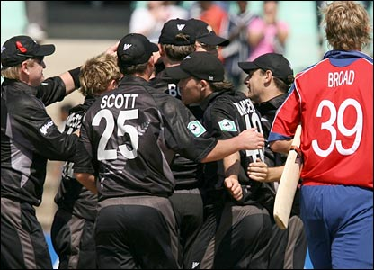 Stuart Browd leaves the field as New Zealand celebrate their win