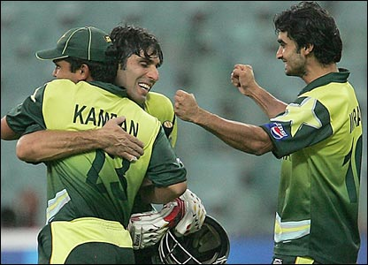 Pakistan's Misbah-ul-Haq celebrates with his team-mates