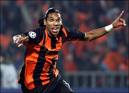 Evaeyerson Brandao scores for Shakhtar on five minutes