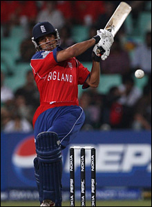 England's Vikram Solanki hits out against India