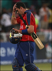 Kevin Pietersen trudges off after he is dismissed by Harbhajan Singh