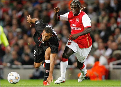Luis Fabiano vies with Bacary Sagna
