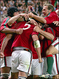 Portugal players celebrate Penalva's first-half try