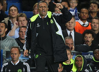 Mourinho in the dugout against Rosenborg
