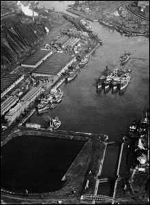 Queen Alexandra dock in 1930.
