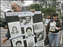 Relatives of people killed Lima's La Cantuta university in 1992 celebrate the extradition of ex-President Alberto Fujimori .