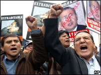 Demonstrators shout slogans against Mr Fujimori during a march in Lima (July, 2007)