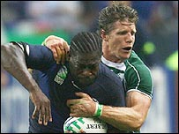 French flanker Serge Betsen and Ireland's Simon Easterby