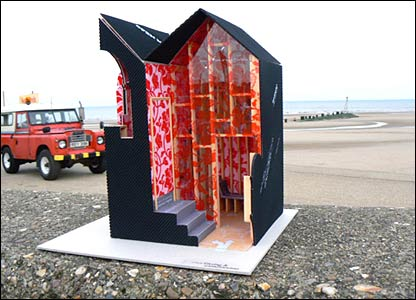 A Hut for Gazing and Canoodling