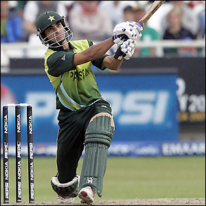 Nazir hits five sixes during his innings
