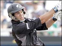 Ross Taylor hits out in New Zealand's innings