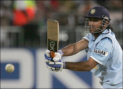 Dhoni hits 36 off 18 balls