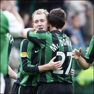 Hibernian v Celtic: Scott McDonald congratulates Aiden McGeady as the Celtic winger fires home a 25th minute leveller
