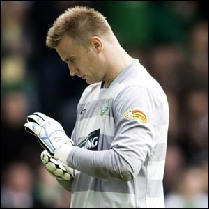 Hibernian v Celtic: Easter Road is a lonely place for Artur Boruc after the Pole gifts Hibs two goals