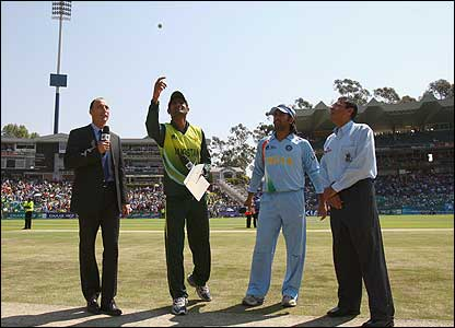 Pakistan skipper Shoaib Malik tosses the coin at the start of the World Twenty20 final in Johannesburg