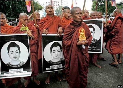 Monks march in Rangoon