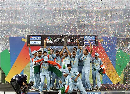 India's players lift the trophy in Johannesburg