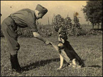 Karl Hoecker and his dog, Favorit (courtesy United States Holocaust Memorial Museum)