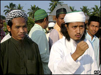 Mukhlas (l) and Imam Samudra (r) on 24 October 2006