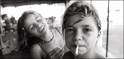 Niñas víctimas de la prostitución infantil en Brasil (Imagen: Kim Manresa)