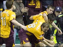 Motherwell celebrate at Easter Road