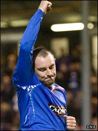Kris Boyd celebrates at East End Park