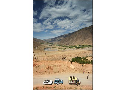 In convoy with others in the rally in Tajikistan