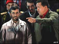 Hugo Chavez (R) and Mahmoud Ahmadinejad at the Miraflores presidential palace in Caracas on 27 September 2007