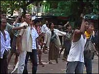 Protesters on the streets of Rangoon (28 September 2007)
