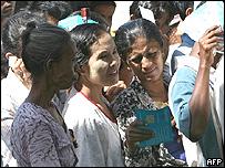 Trabajadores birmanos en la frontera con Tailandia.