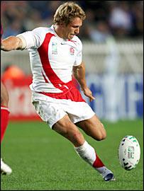Jonny Wilkinson takes a kick at goal