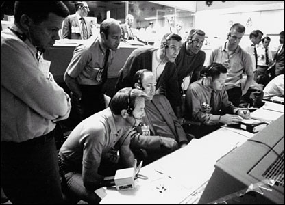 Mission control in Houston during Apollo 13 oxygen cell failure. Image: Nasa