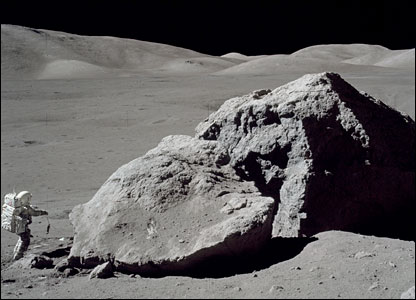 Harrison Schmitt below Tracy's Rock. Image: Nasa.