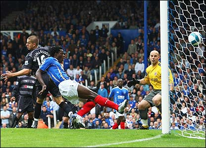 Benjani volleys Portsmouth ahead