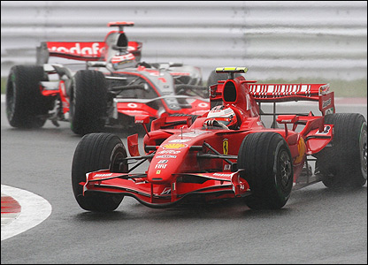 Once the race 'proper' gets under way, Kimi Raikkonen goes about surging up the field, overtaking Alonso on lap 27