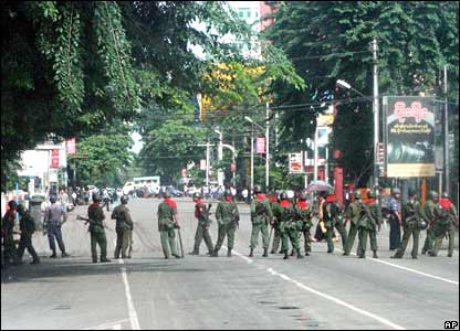 Soldiers block Rangoon street