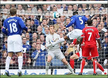 Joleon Lescott heads Everton ahead
