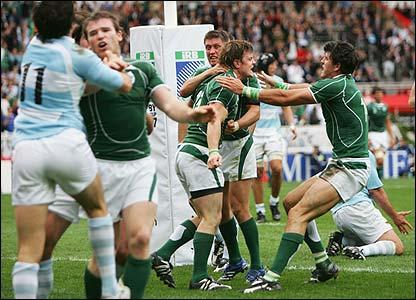 Ireland captain Brian O'Driscoll scores a fine try