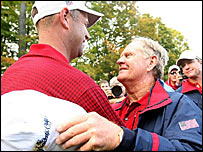 Stewart Cink (left) is congratulated by US captain Jack Nicklaus after securing the point that won the Presidents Cup