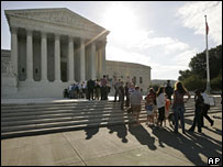 People line up outside the US Supreme Court