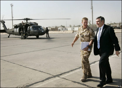 Gordon Brown arrives in Iraq