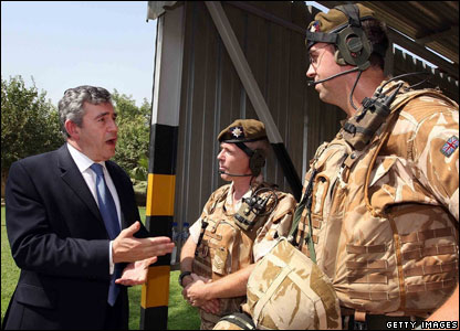 Gordon Brown meets British troops in Iraq