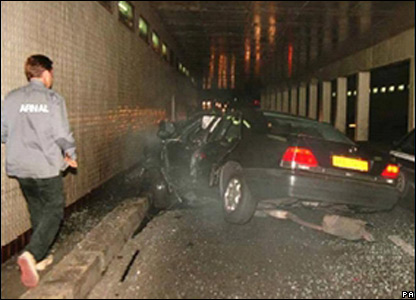The crashed Mercedes in the Paris tunnel shown to inquest on 2 October