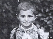 Picture taken at the end of the year 1932 shows Josef Ratzinger as a schoolboy in Aschau am Inn.